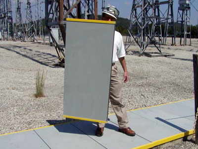 GEF's UTILICOVER® trench cover systems are strong and durable fiberglass covers which install easily.